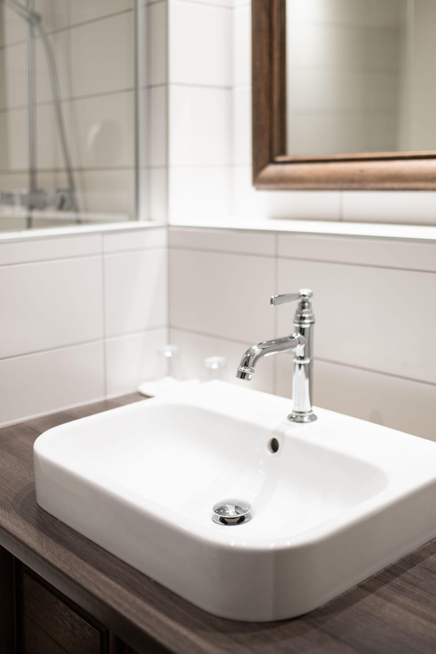 carrelage-lavabo-salle-de-bains-chateau-de-coudree-pereira-carrelage
