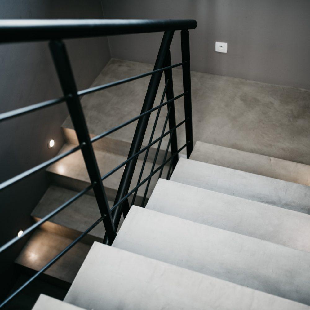 artisan-escalier-beton-cire-haute-savoie-5