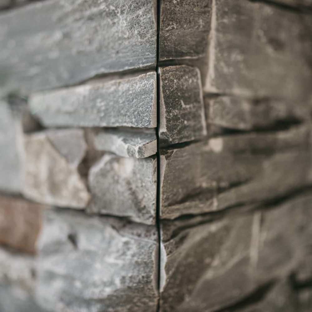 pierre-naturelle-colonne-haute-savoie-2