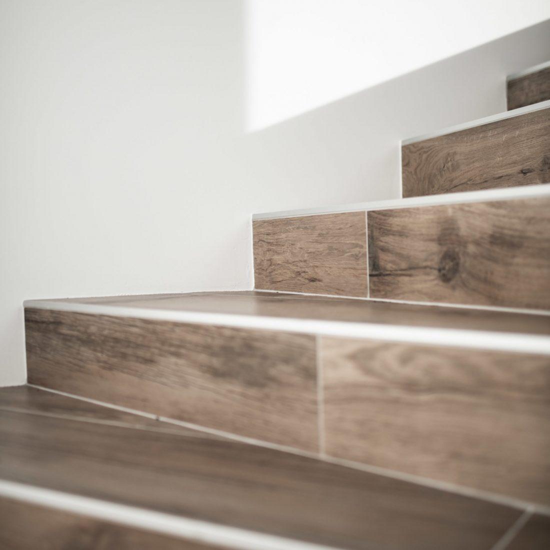 pose-carrelage-escaliers-pereira-carrelage-haute-savoie-6
