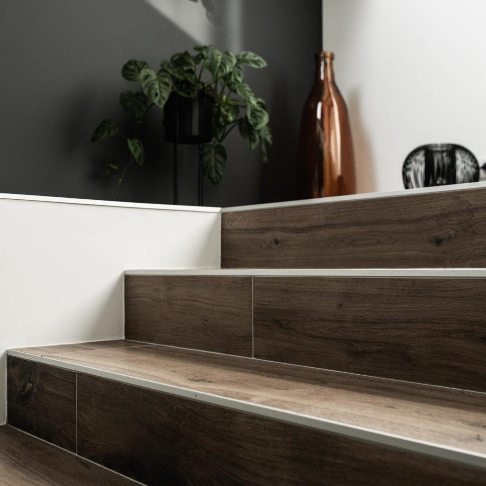pose-carrelage-escaliers-pereira-carrelage-haute-savoie