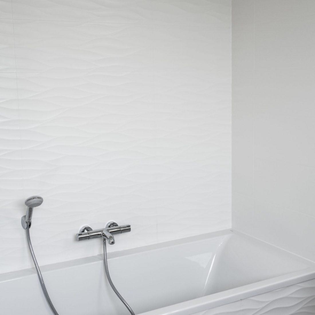 pose-carrelage-faience-salle-de-bains-pereira-carrelage-haute-savoie