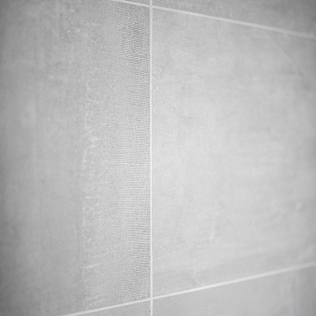 pose-carrelage-salle-de-bains-pereira-carrelage-chablais